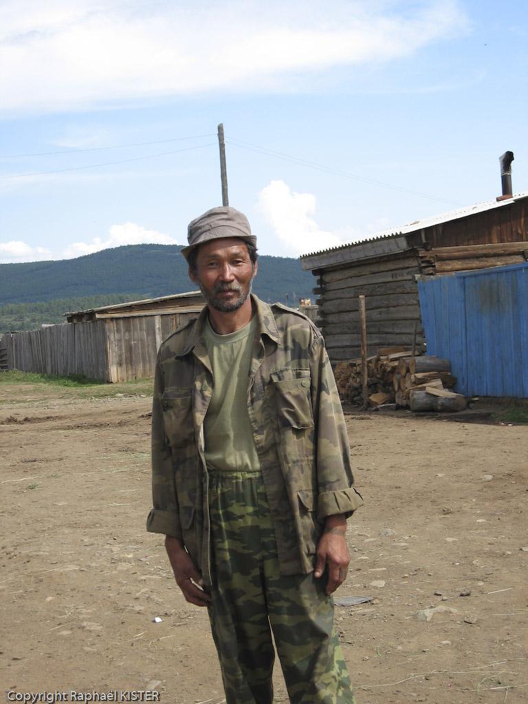 Un russe d'origine Bouriate rencontré dans un village