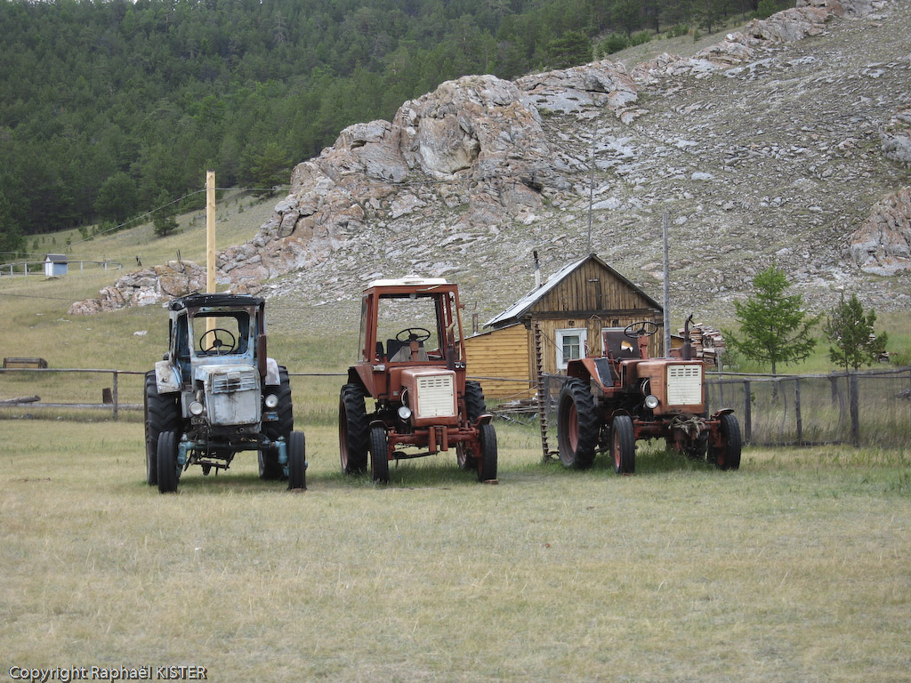 Alignement de tracteurs au cap Khoboy