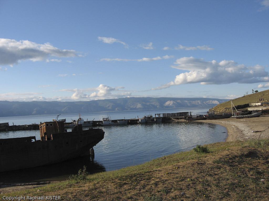 Le port du village Khugir