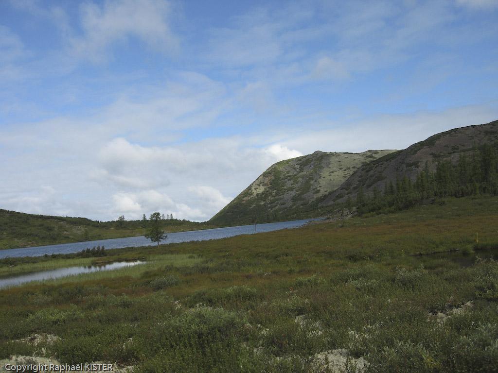 Un lac aperçu durant une marche autour de la cabane - Source de la Léna - 4e jour