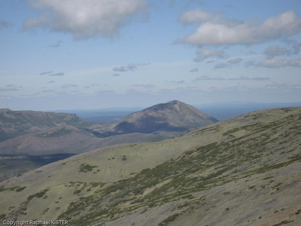 Aperçu des montagnes environnantes depuis le col (~ 2000 m) - 5e jour