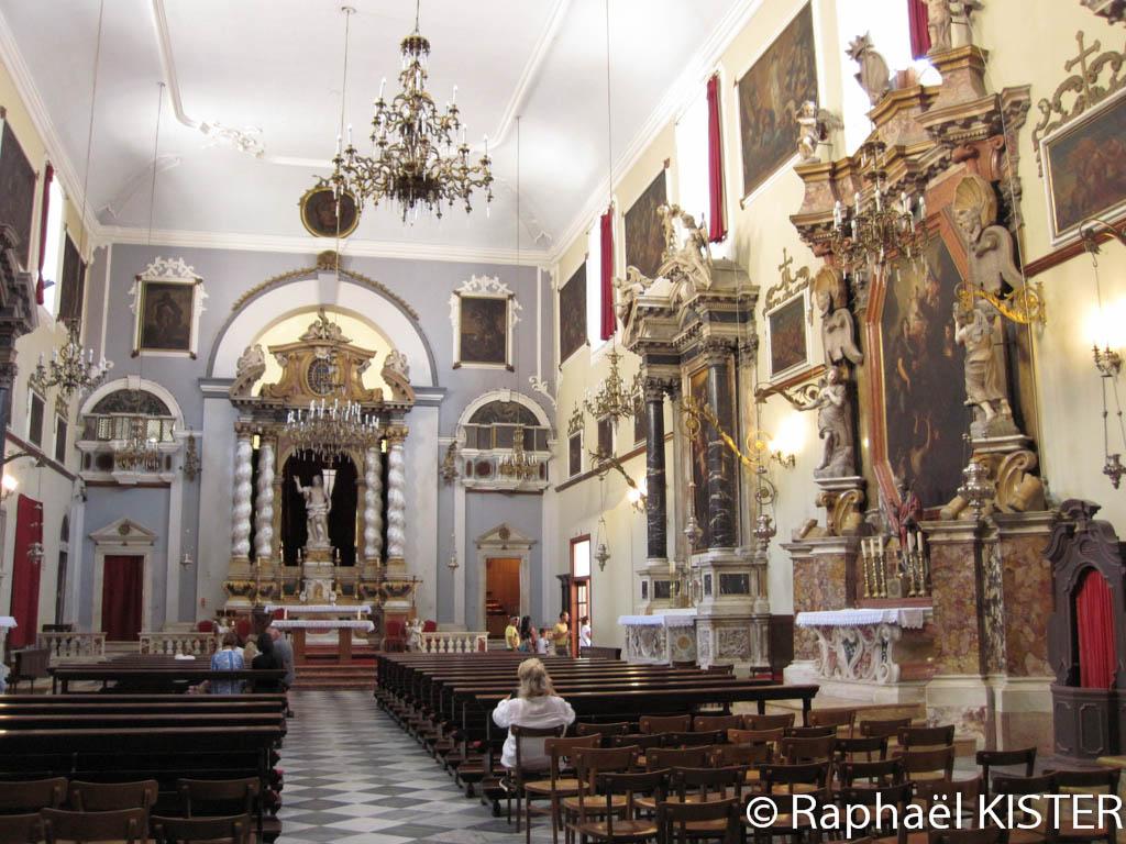 Intérieur de l'église Saint-Blaise