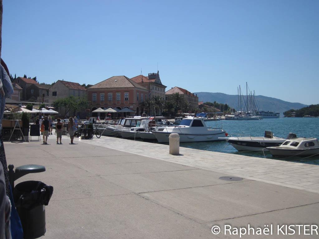 Le port de Stari Grad