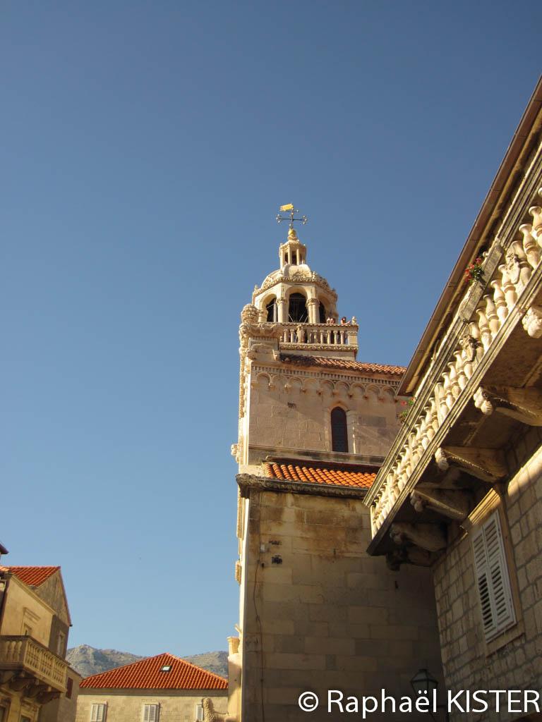 La flèche de l'église de Korcula
