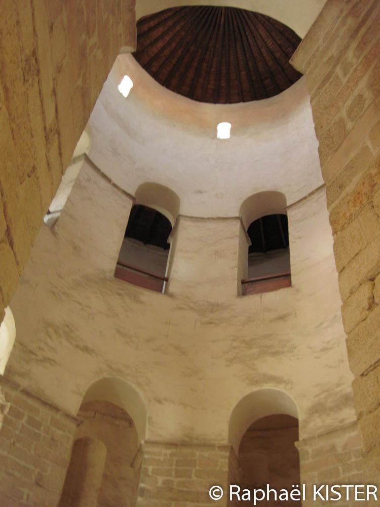 Intérieur de l'église Saint-Donat