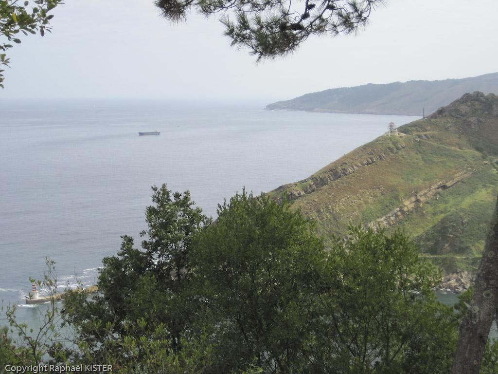 Littoral proche de San-Sébastien, vue depuis une colline dominant l'embouchure du port