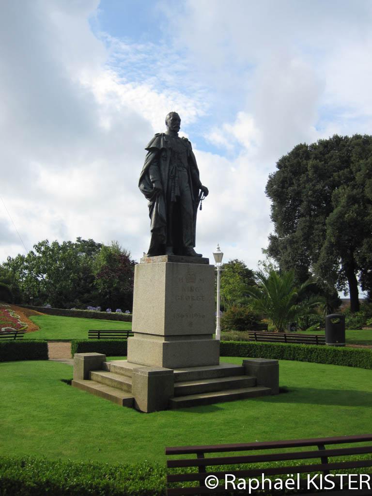 Statue du roi d'Angleterre Georges V