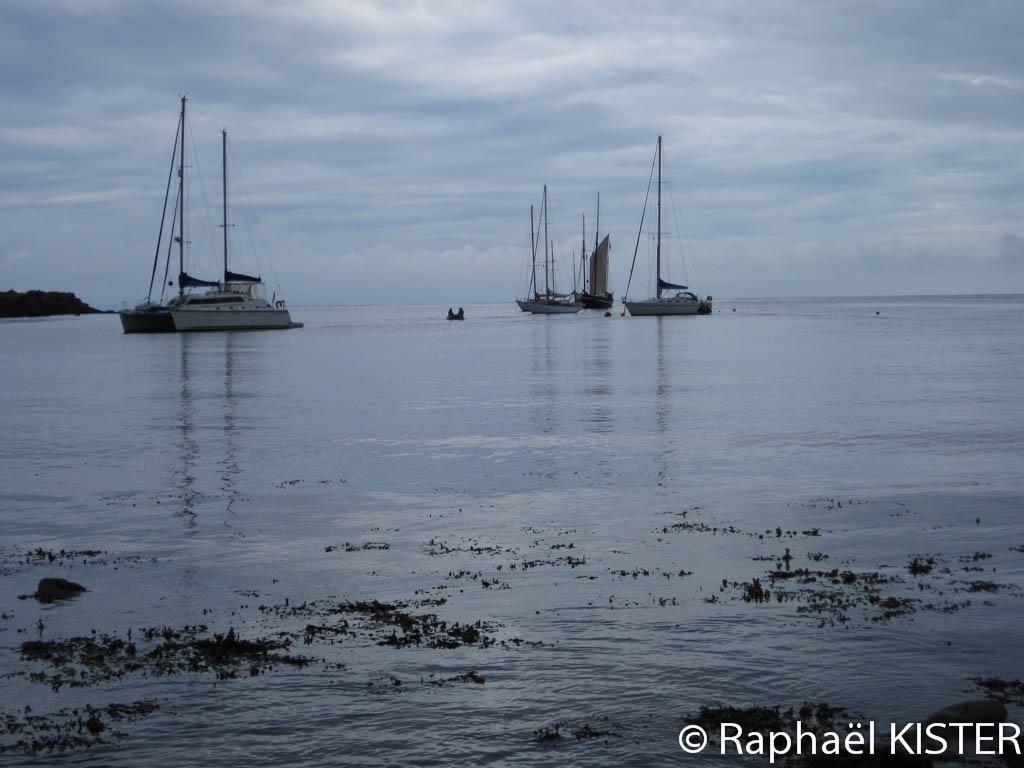 Notre bateau au mouillage à Sainte Agnès