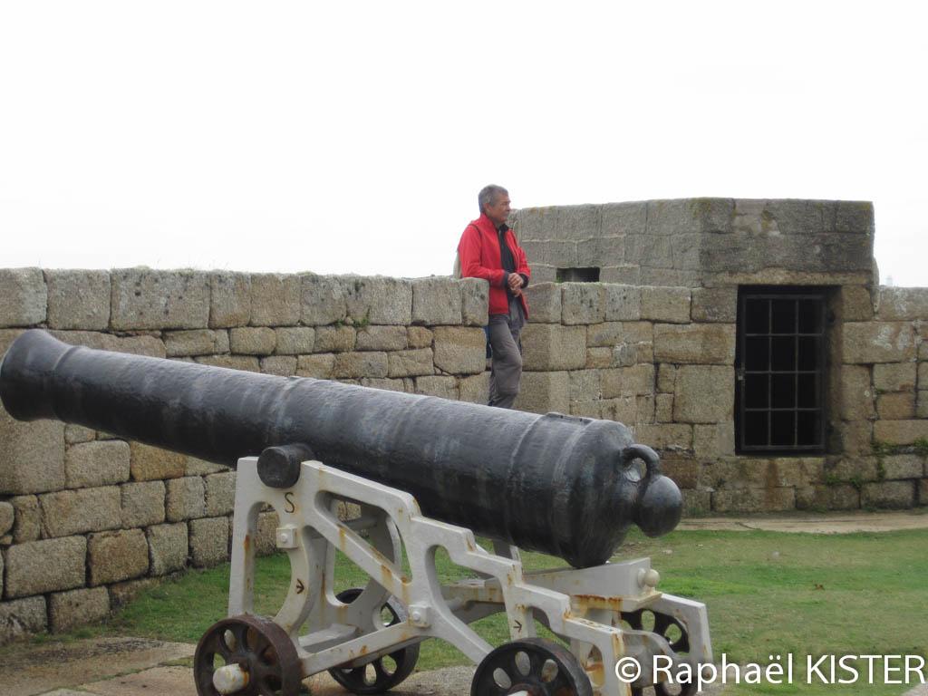 Canon sur le chemin de garnison