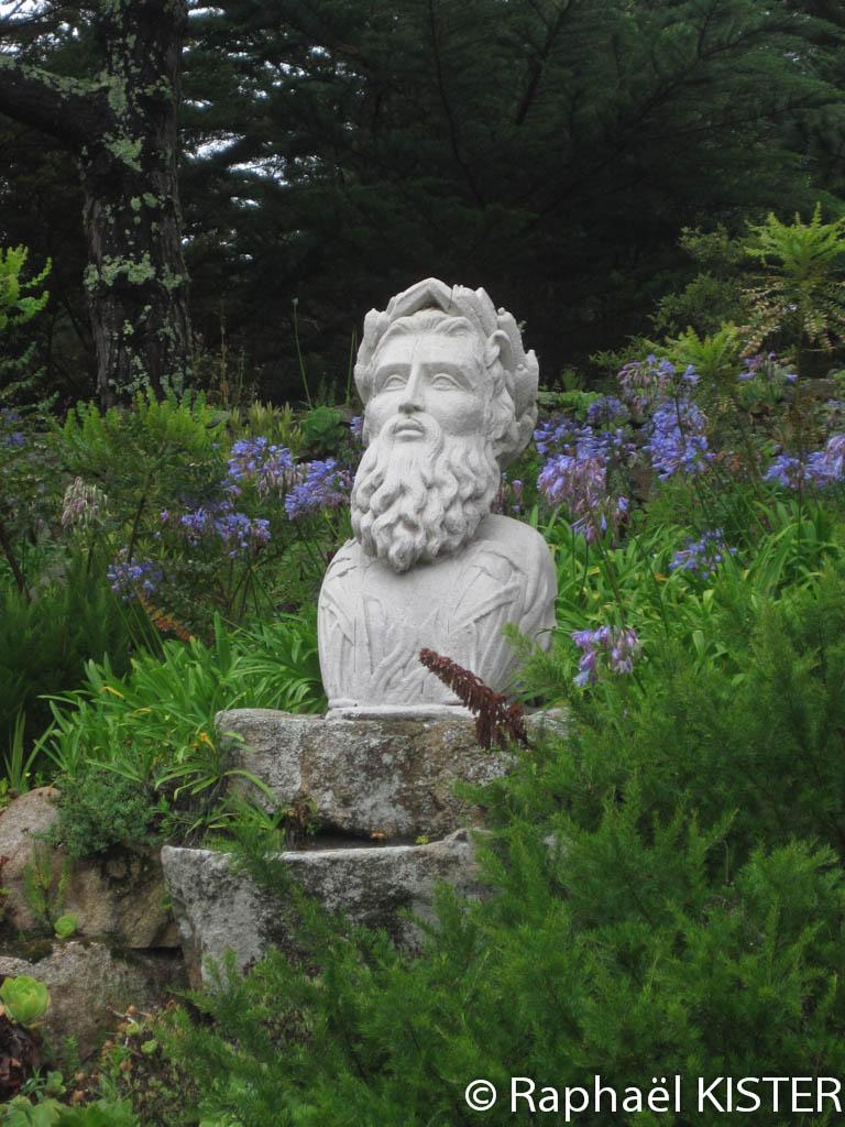 Jardin tropical à Tresco - Statue de Neptune